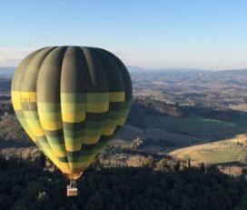 Giro in mongolfiera sopra Siena e la campagna toscana