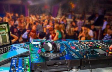 Tour notturno dei pub crawl a Valencia